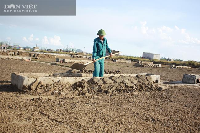 Nghệ An: Diêm dân phơi mình dưới cái nắng 40 độ C - Ảnh 5.