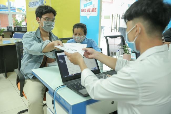 TP.HCM: Trường ĐH đầu tiên công bố điểm chuẩn xét tuyển học bạ - Ảnh 1.