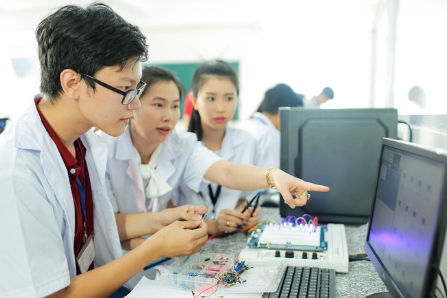 TP.HCM: Trường ĐH đầu tiên công bố điểm chuẩn xét tuyển học bạ - Ảnh 3.