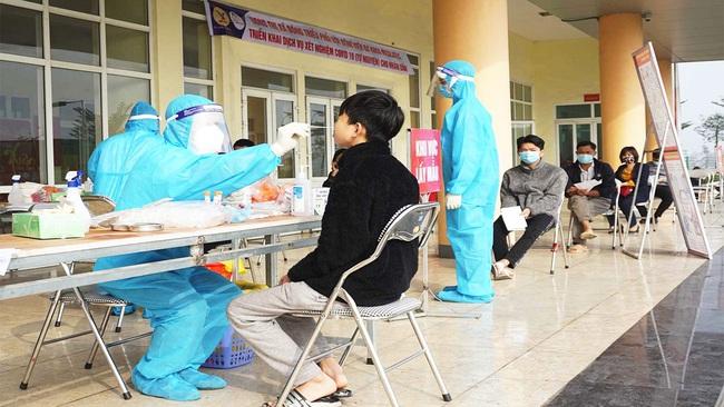 """Trà Vinh: Có người nhiễm Covid-19 liên quan đến TP.HCM, lãnh đạo tỉnh tiên tục chỉ đạo """"nóng"""", kêu gọi dân hạn chế ra đường - Ảnh 1."""
