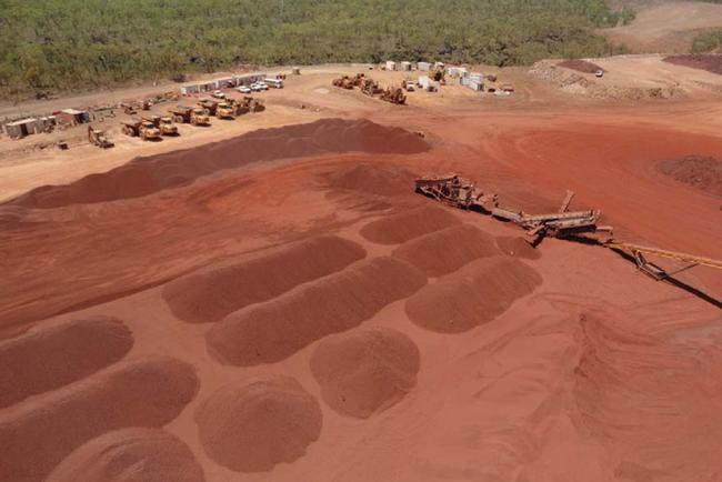 """""""Vua thép"""" Hòa Phát mua mỏ quặng sắt 320 triệu tấn tại Úc - Ảnh 1."""