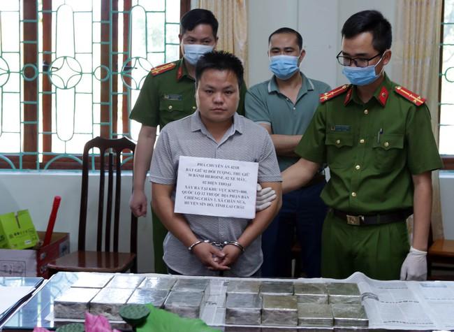 Công an Lai Châu phá chuyên án thu 30 bánh Heroin - Ảnh 1.