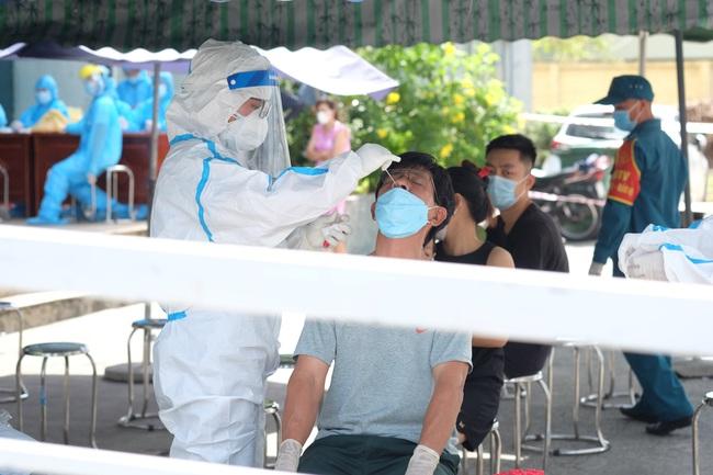 Đà Nẵng: Tổ chức xét nghiệm cho tài xế taxi và tài xế xe công nghệ - Ảnh 1.