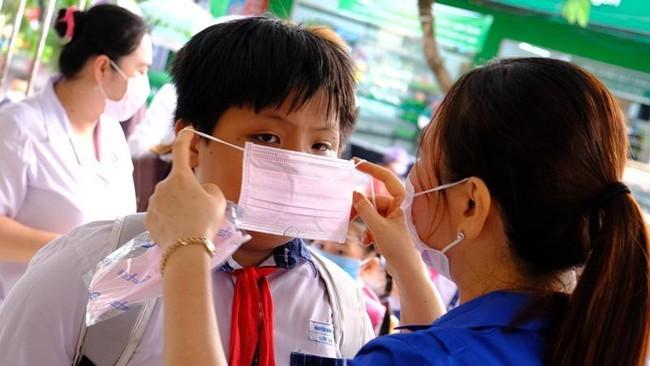 Khẩn: Ninh Bình, Thái Bình, Quảng Ngãi và 18 tỉnh thành thông báo cho học sinh nghỉ học  - Ảnh 1.