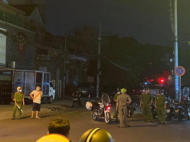 CẬP NHẬT: Cháy nhà ở TP.HCM, 8 người tử vong - Ảnh 1.