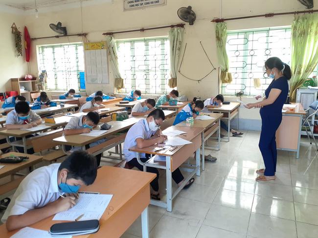 Bí thư Tỉnh ủy Điện Biên: Rút ngắn thời gian năm học, đảm bảo an toàn các cơ sở giáo dục - Ảnh 3.