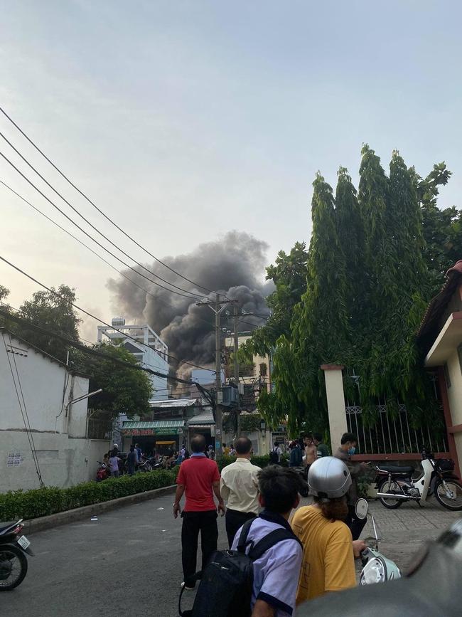 CẬP NHẬT: Cháy nhà ở TP.HCM, 8 người tử vong - Ảnh 5.