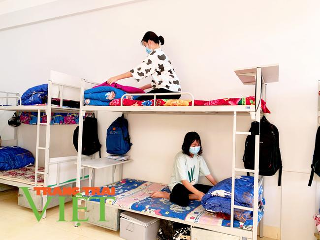 Lai Châu: Phòng GDĐT Nậm Nhùn đảm bảo an toàn cho học sinh đến trường trong mùa dịch Covid-19 - Ảnh 6.