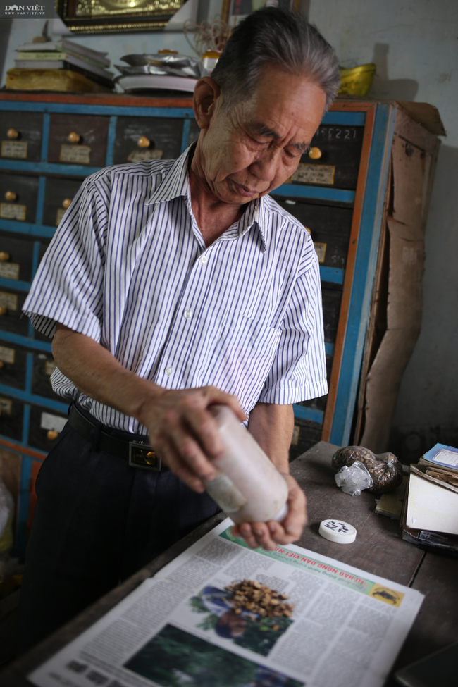 """Cụ ông 80 tuổi giấu vợ dự thi """"Làng Việt thời hội nhập"""": Viết truyện ngắn như đánh du kích - Ảnh 7."""