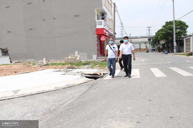 Vụ nhà 5 tầng xây trái phép ở Bình Dương: Chủ tịch TP. Thuận An đi thị sát sau phản ánh của báo Dân Việt - Ảnh 1.