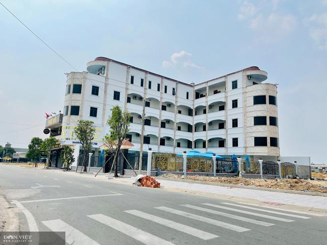 Vụ nhà 5 tầng xây trái phép ở Bình Dương: Chủ tịch TP. Thuận An đi thị sát sau phản ánh của báo Dân Việt - Ảnh 3.