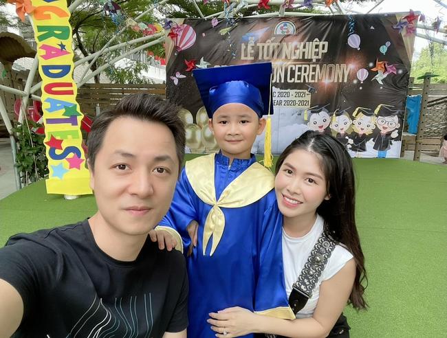 Ca sĩ Đăng Khôi chia sẻ lễ tốt nghiệp của con trai chỉ có... 4 người - Ảnh 3.