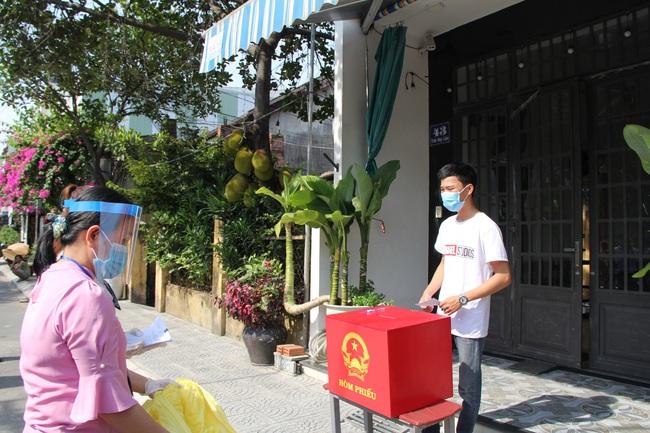 Nhiều ca mắc Covid-19 trong cộng đồng, Đà Nẵng diễn tập trước thềm bầu cử - Ảnh 6.