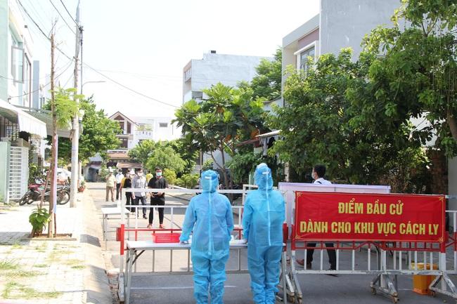 Nhiều ca mắc Covid-19 trong cộng đồng, Đà Nẵng diễn tập trước thềm bầu cử - Ảnh 1.