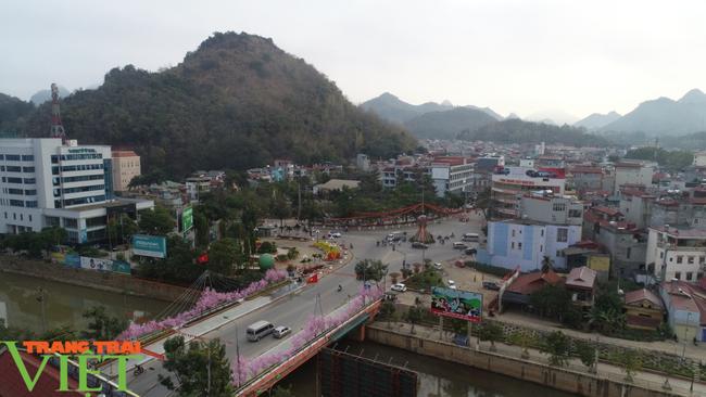 Sơn La: Tạm dừng hoạt động các cơ sở lưu trú khách du lịch, homestay, nhà nghỉ - Ảnh 4.