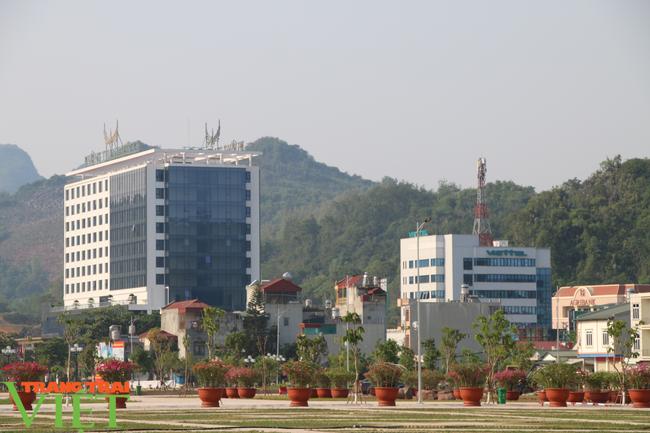 Sơn La: Tạm dừng hoạt động các cơ sở lưu trú khách du lịch, homestay, nhà nghỉ - Ảnh 2.