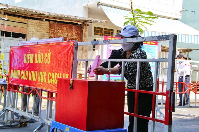 Nhiều ca mắc Covid-19 trong cộng đồng, Đà Nẵng diễn tập trước thềm bầu cử - Ảnh 4.