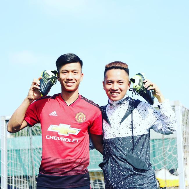 VĐV tâng bóng nghệ thuật Đỗ Kim Phúc: ĐT Việt Nam sẽ thắng 3-0 trước Malaysia - Ảnh 2.