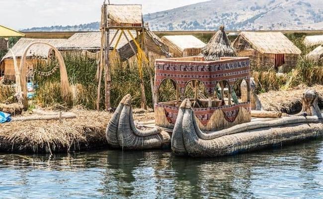 """Quần đảo lau sậy độc lạ của """"bộ lạc thảm bay"""" trên hồ Titicaca cao nhất thế giới - Ảnh 3."""