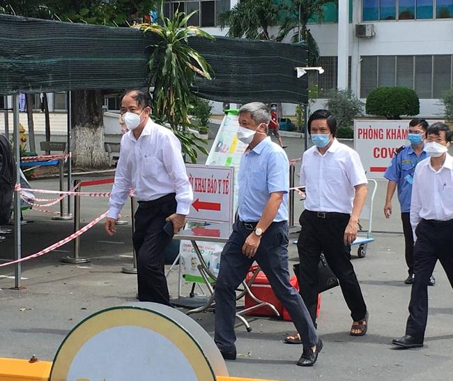 Thứ trưởng Bộ Y tế: Bệnh viện Bệnh Nhiệt đới TP.HCM tạm ngừng tiếp nhận bệnh nhân Covid-19 - Ảnh 1.