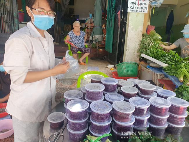 Bánh ú nước tro tại TP.HCM Tết Đoan ngọ tăng giá chóng mặt, 100.000 đồng/chục - Ảnh 3.