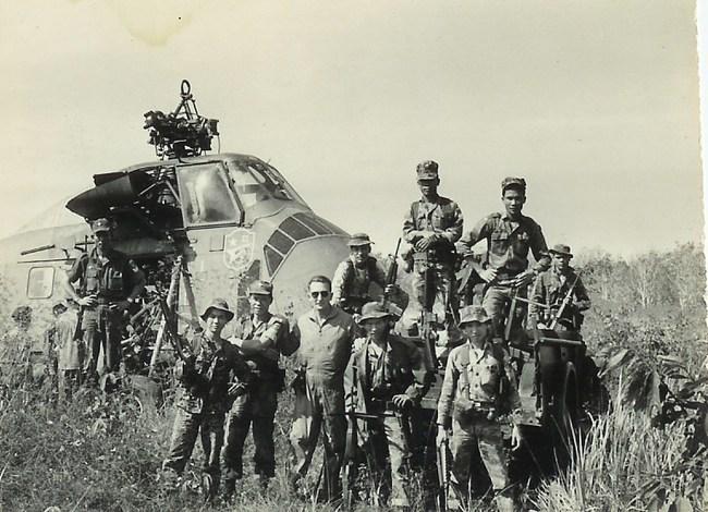 Cảnh tượng hiếm về máy bay Mỹ bị bắn rơi ở Việt Nam - Ảnh 13.