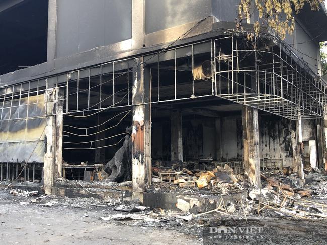 ẢNH: Hiện trường cháy phòng trà 6 người thương vong ở TP. Vinh - Ảnh 3.