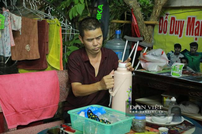 Tận mắt xem gia đình hậu vệ Duy Mạnh thịt gà cổ vũ đội tuyển Việt Nam - Ảnh 9.