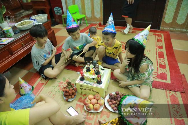Tận mắt xem gia đình hậu vệ Duy Mạnh thịt gà cổ vũ đội tuyển Việt Nam - Ảnh 14.