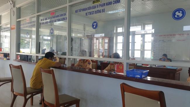 Đà Nẵng: Tự xưng CSGT yêu cầu người dân nộp phạt - Ảnh 2.