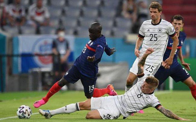 Toni Kroos không hài lòng với thất bại.