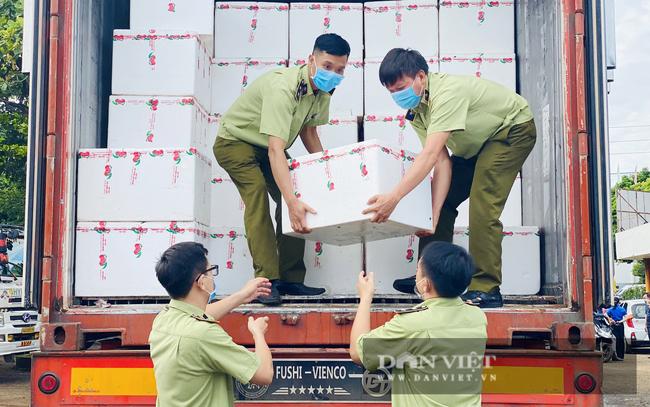 Cục Quản lý thị trường Đắk Lắk cùng hàng loạt doanh nghiệp chung tay tiêu thụ nông sản cho vùng dịch - Ảnh 2.