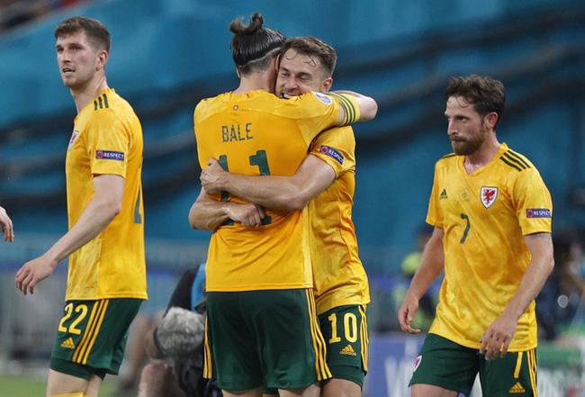 Bale giật giải thưởng Cầu thủ xuất sắc nhất trận.
