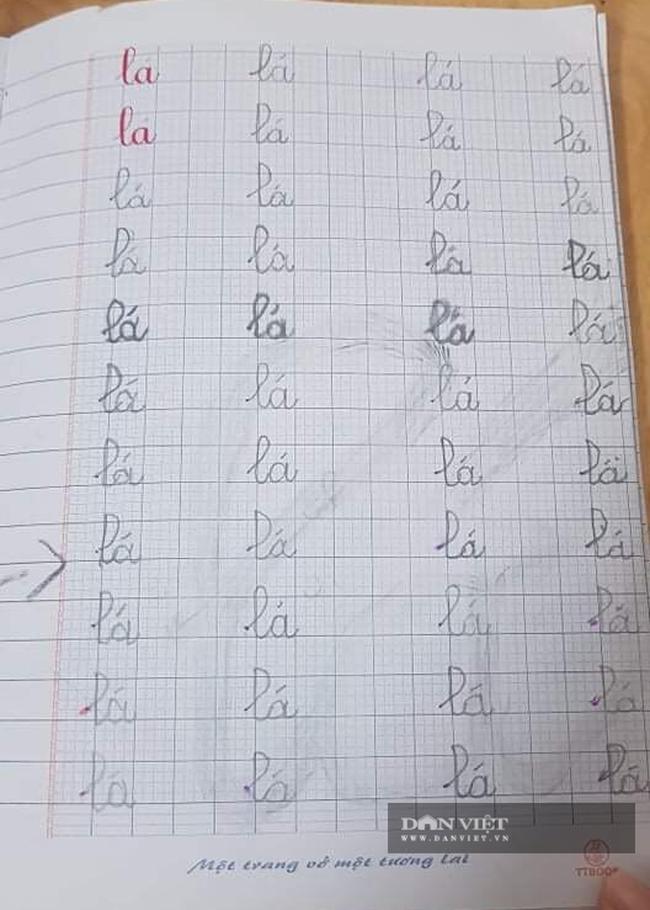 """Bị mẹ giao tập viết chữ """"Lá"""", cậu bé láu cá xử lý thế nào mà khiến ai nấy phải """"bái phục sư phụ""""? - Ảnh 3."""