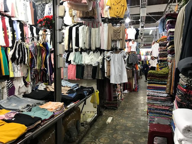 TT-Huế: Hàng trăm quầy hàng tại chợ Đông Ba đóng cửa vì vắng khách chưa từng thấy - Ảnh 2.