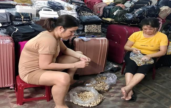 TT-Huế: Hàng trăm quầy hàng tại chợ Đông Ba đóng cửa vì vắng khách chưa từng thấy - Ảnh 4.