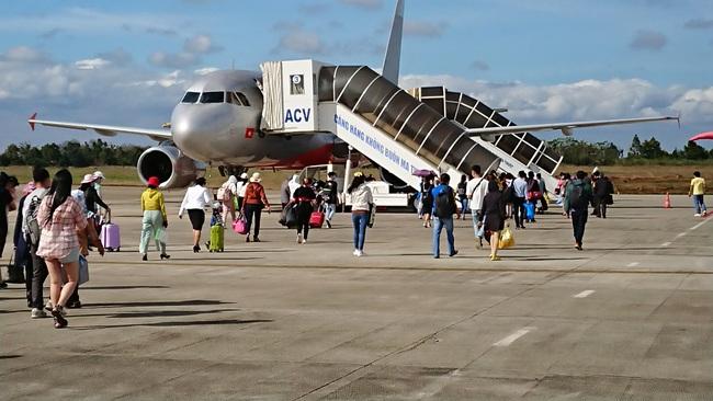 """Tin đồn phá sản, cổ phiếu Vietnam Airlines """"đỏ sàn"""", nhà đầu tư phản ứng gì? - Ảnh 3."""