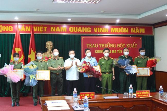 Điện Biên: Phá chuyên án 215T bắt 2 đối tượng, thu giữ 24 Kg ma túy   - Ảnh 4.
