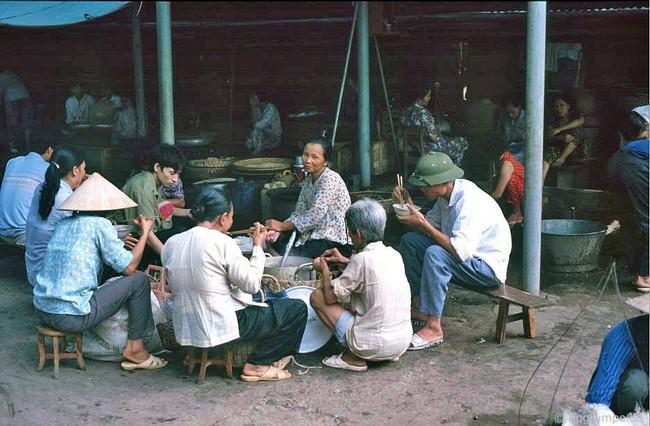 Kỳ thú ẩm thực vỉa hè ở Hà Nội năm 1991-1992 - Ảnh 3.