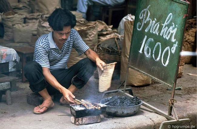 Kỳ thú ẩm thực vỉa hè ở Hà Nội năm 1991-1992 - Ảnh 4.