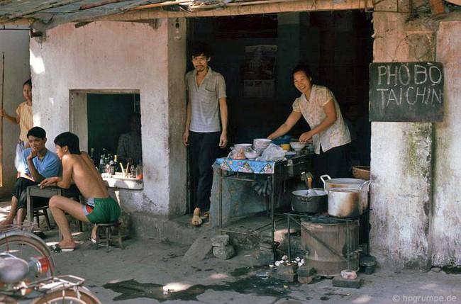 Kỳ thú ẩm thực vỉa hè ở Hà Nội năm 1991-1992 - Ảnh 5.