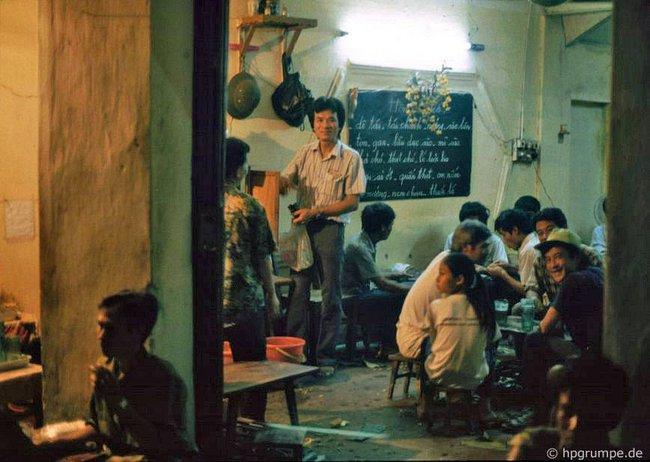 Kỳ thú ẩm thực vỉa hè ở Hà Nội năm 1991-1992 - Ảnh 6.