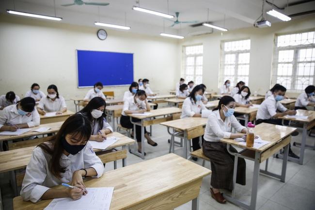 Thi tốt nghiệp THPT 2021 sẽ có 2 đợt, Bộ GD-ĐT sẽ chia như thế nào? - Ảnh 1.