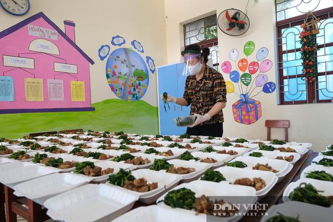 """Bắc Giang: Bếp ăn nghĩa tình của những người """"cầm phấn"""", tiếp lửa cho tiền tuyến chống dịch - Ảnh 9."""