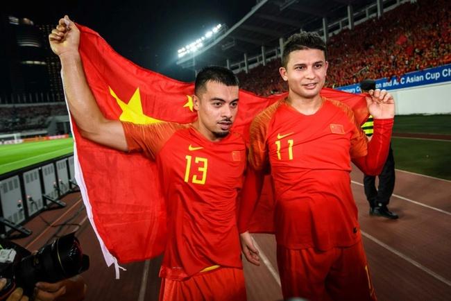 Mơ dự World Cup 2022, ĐT Trung Quốc nhập tịch thêm… 10 cầu thủ? - Ảnh 1.