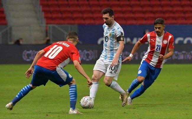 Messi tạo ra lịch sử trong ngày Argentina giành chiến thắng - Ảnh 1.