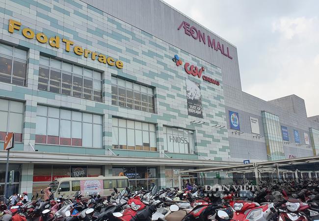 TP.HCM: Aeon Tân Phú tạm đóng cửa vì liên quan ca nghi mắc Covid-19 - Ảnh 1.
