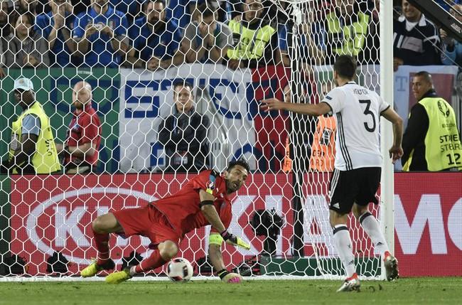Ronaldo và top 5 cột mốc vô tiền khoáng hậu có thể bị xô đổ tại Euro 2020 - Ảnh 3.