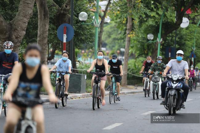 """Lực lượng chức năng ra quân """"dẹp"""" phong trào thể dục ở Hà Nội - Ảnh 7."""