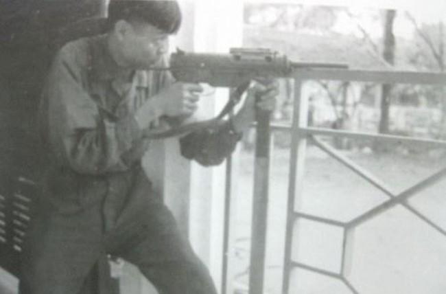 Vũ khí cá nhân của chiến sĩ Giải phóng quân trước khi có AK-47 - Ảnh 2.